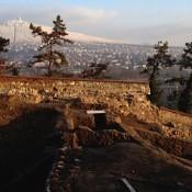 objekt služieb turistom počas archeológického výskumu