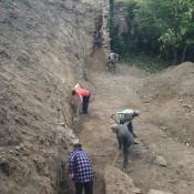 ohradový múr - vyčistenie priestoru ohradového múru