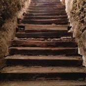 schodisko - spájajúce dvojicu pivníc a hradný palác