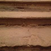 stav schodiskových stupňov v katedrálnej veži