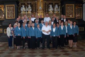 Spev. súbor EMERAM a účastníci zájazdu po kncerte chráme sv. EMERÁMA V REGENSBURGU